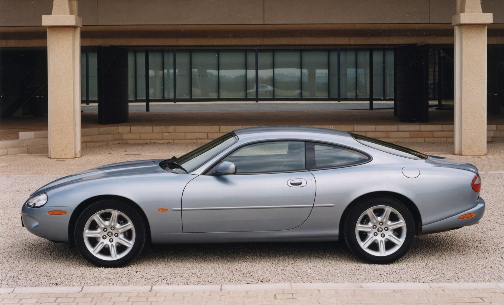 Jaguar XK8 Coupé Review (1996   2005) | Parkers