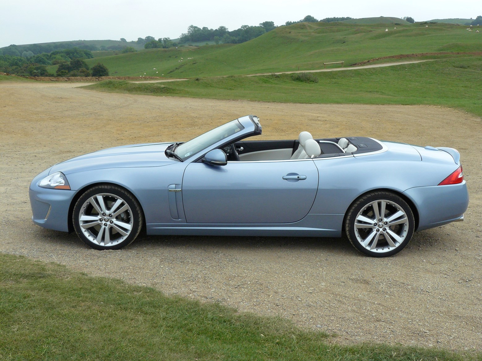 jaguar xk convertible 2006 2014 photos parkers. Black Bedroom Furniture Sets. Home Design Ideas