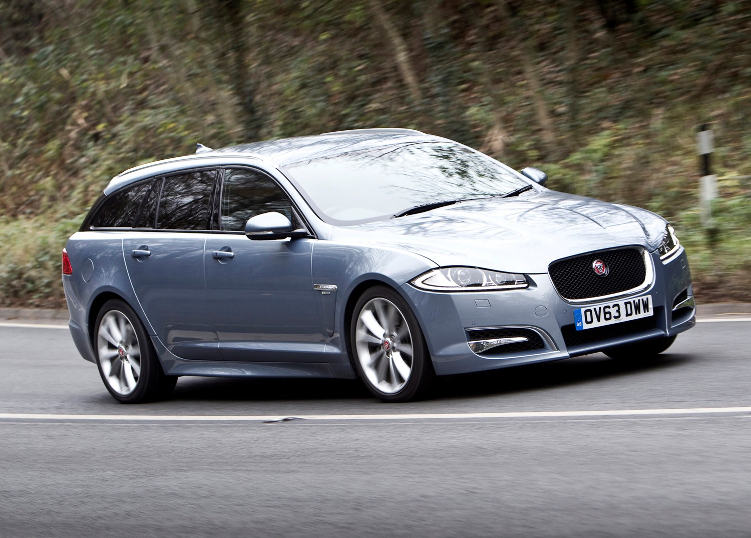 jaguar xf sportbrake review 2012 2015 parkers. Black Bedroom Furniture Sets. Home Design Ideas