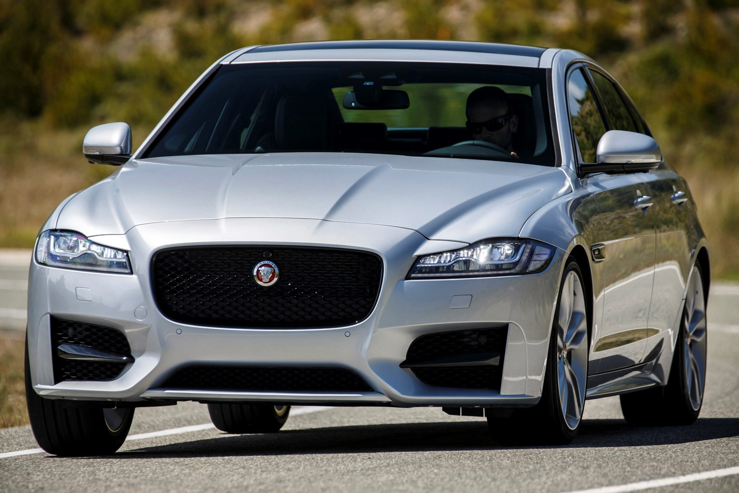 jaguar xf review  2019