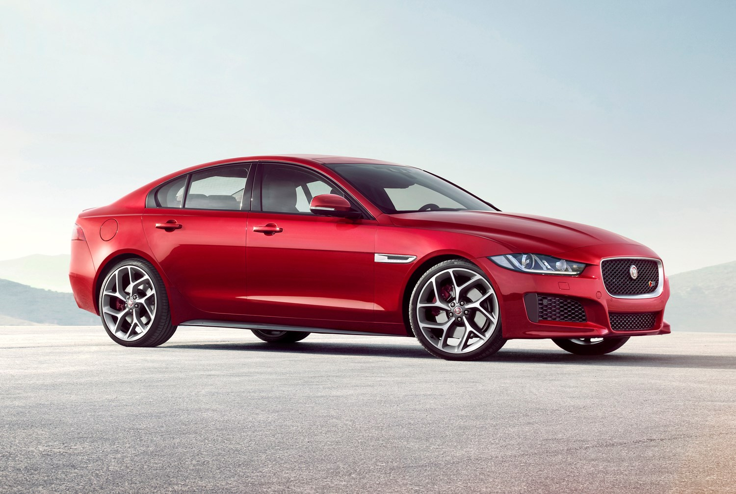 Jaguar XE review: Buying and selling | Parkers