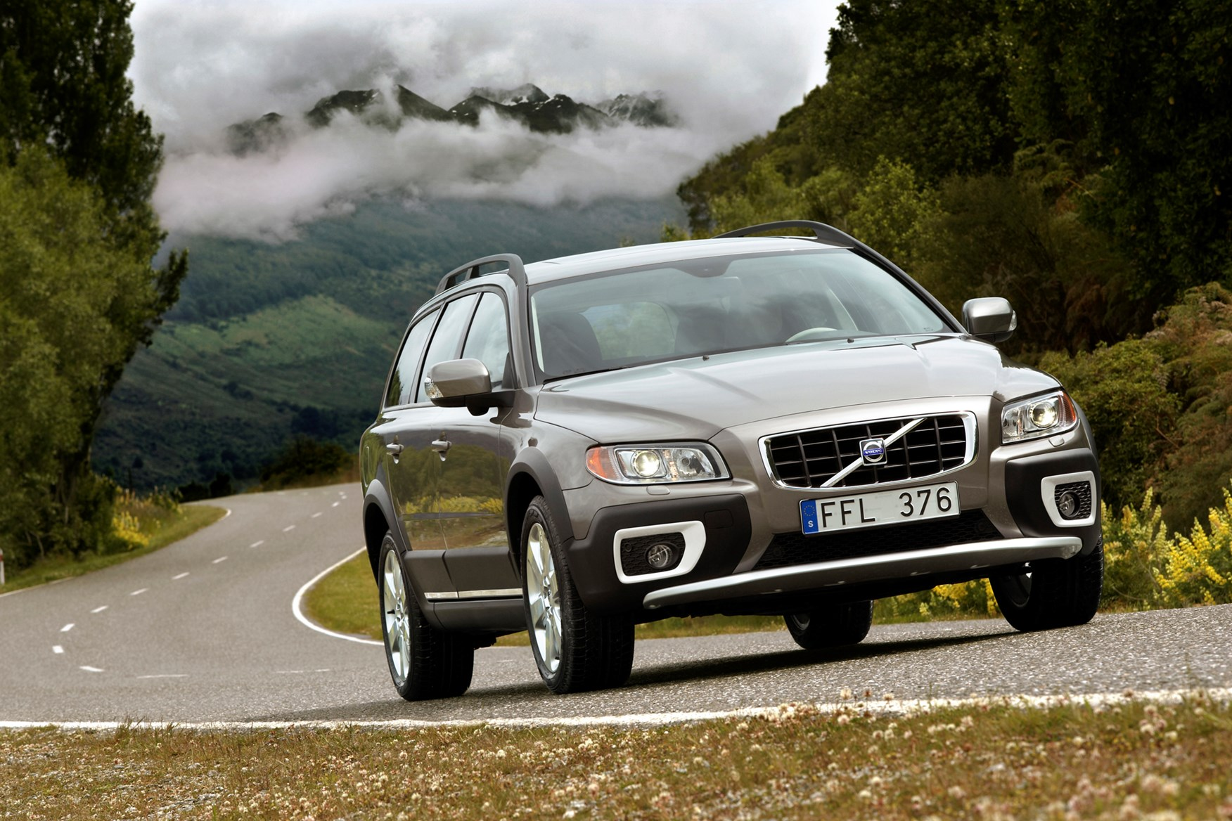 Volvo XC70 Estate Review 2007 2016