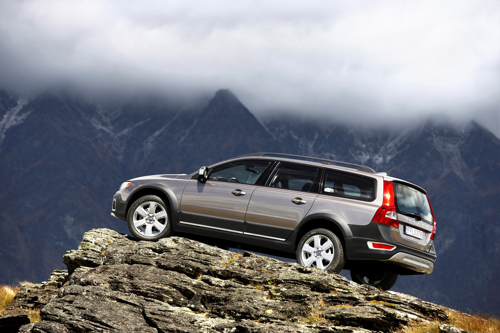 Volvo Xc70 Estate Review 2007 2016 Parkers