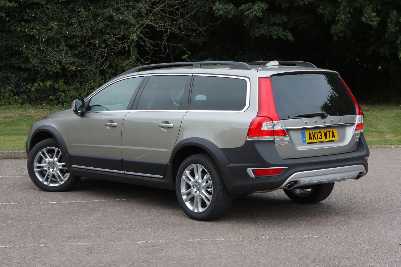 Volvo XC70 Estate Review (2007 - 2016)