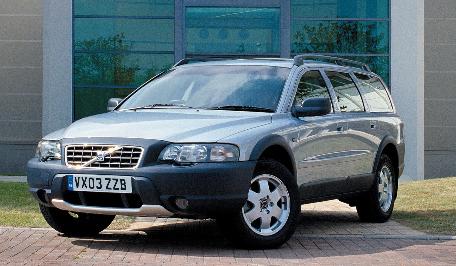 Volvo Xc70 Estate Review 2000 2007 Parkers