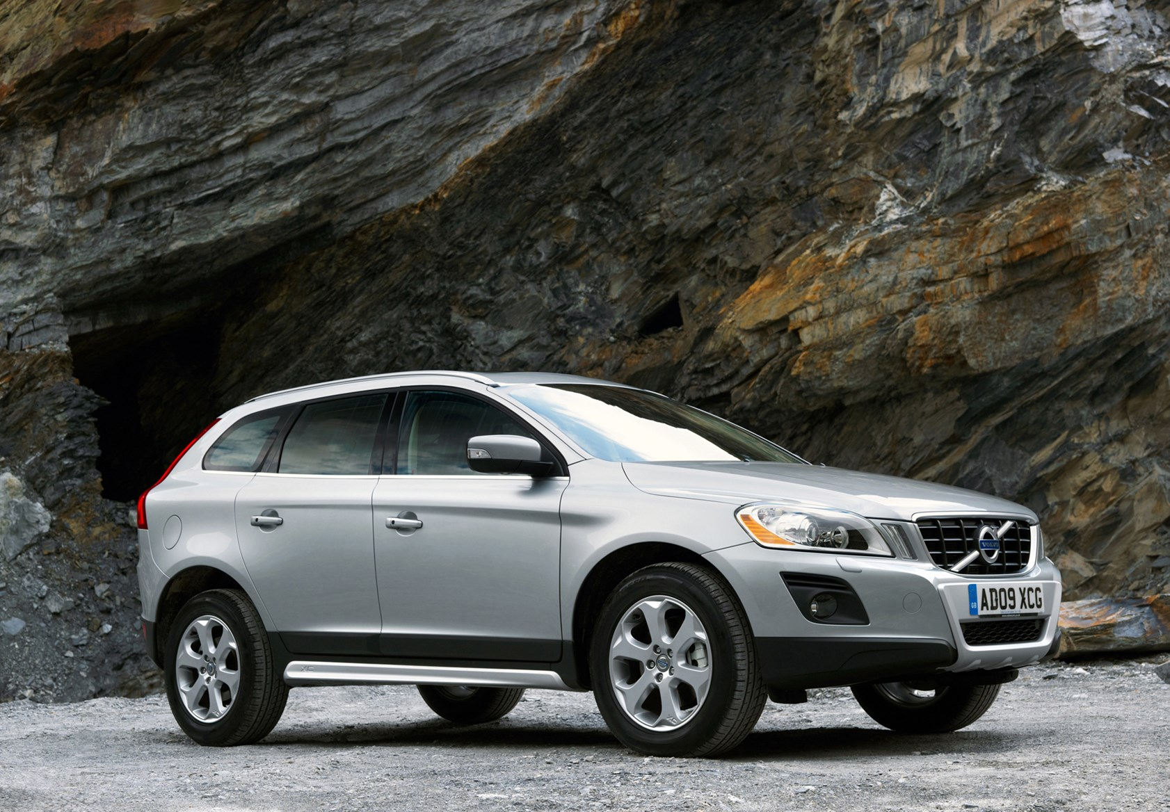 volvo xc60 estate review 2008 parkers. Black Bedroom Furniture Sets. Home Design Ideas