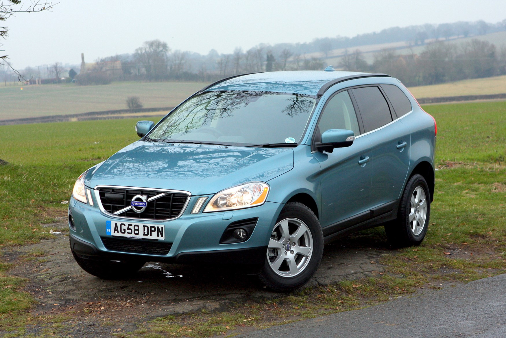Volvo Xc60 Estate Review 2008 Parkers