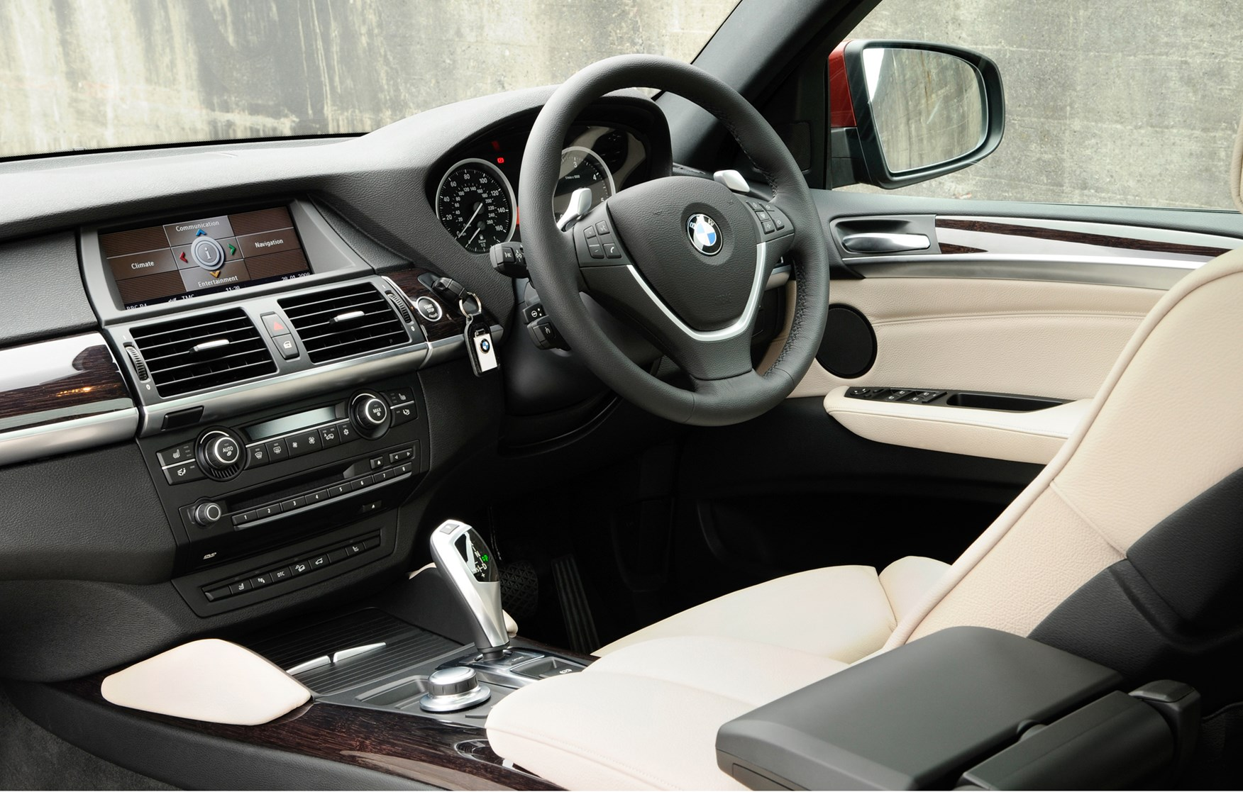 Bmw X6 Estate 2008 2014 Features Equipment And Accessories