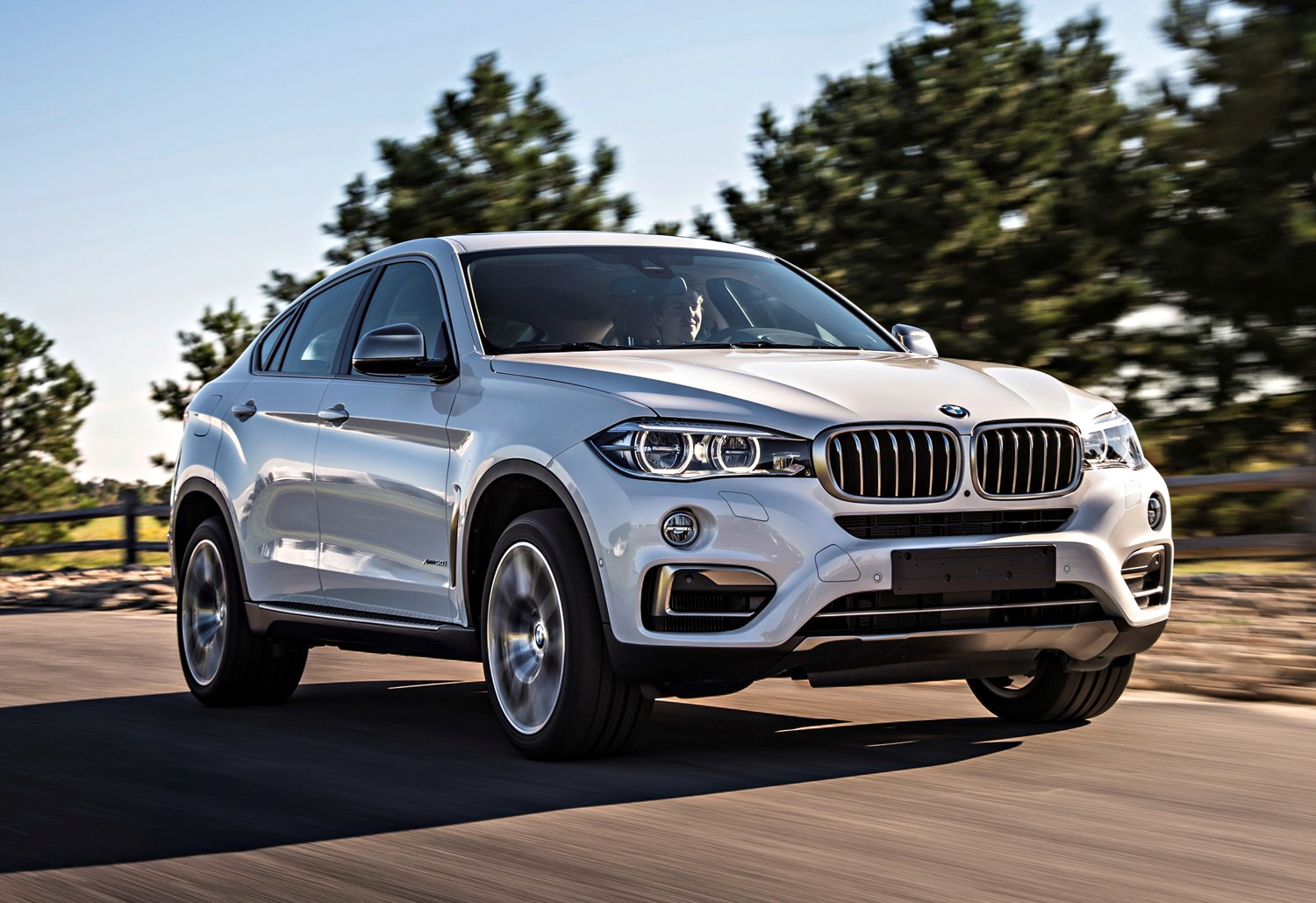 bmw x6 4x4 2014 buying and selling parkers. Black Bedroom Furniture Sets. Home Design Ideas