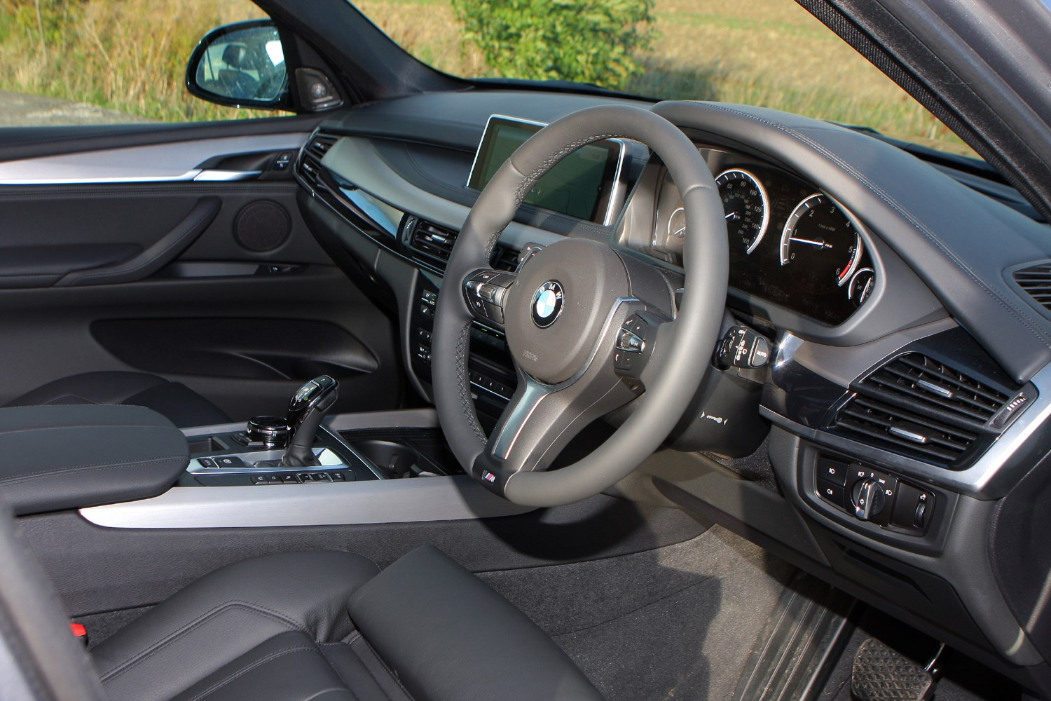 bmw x5 4x4 2013 features equipment and accessories. Black Bedroom Furniture Sets. Home Design Ideas