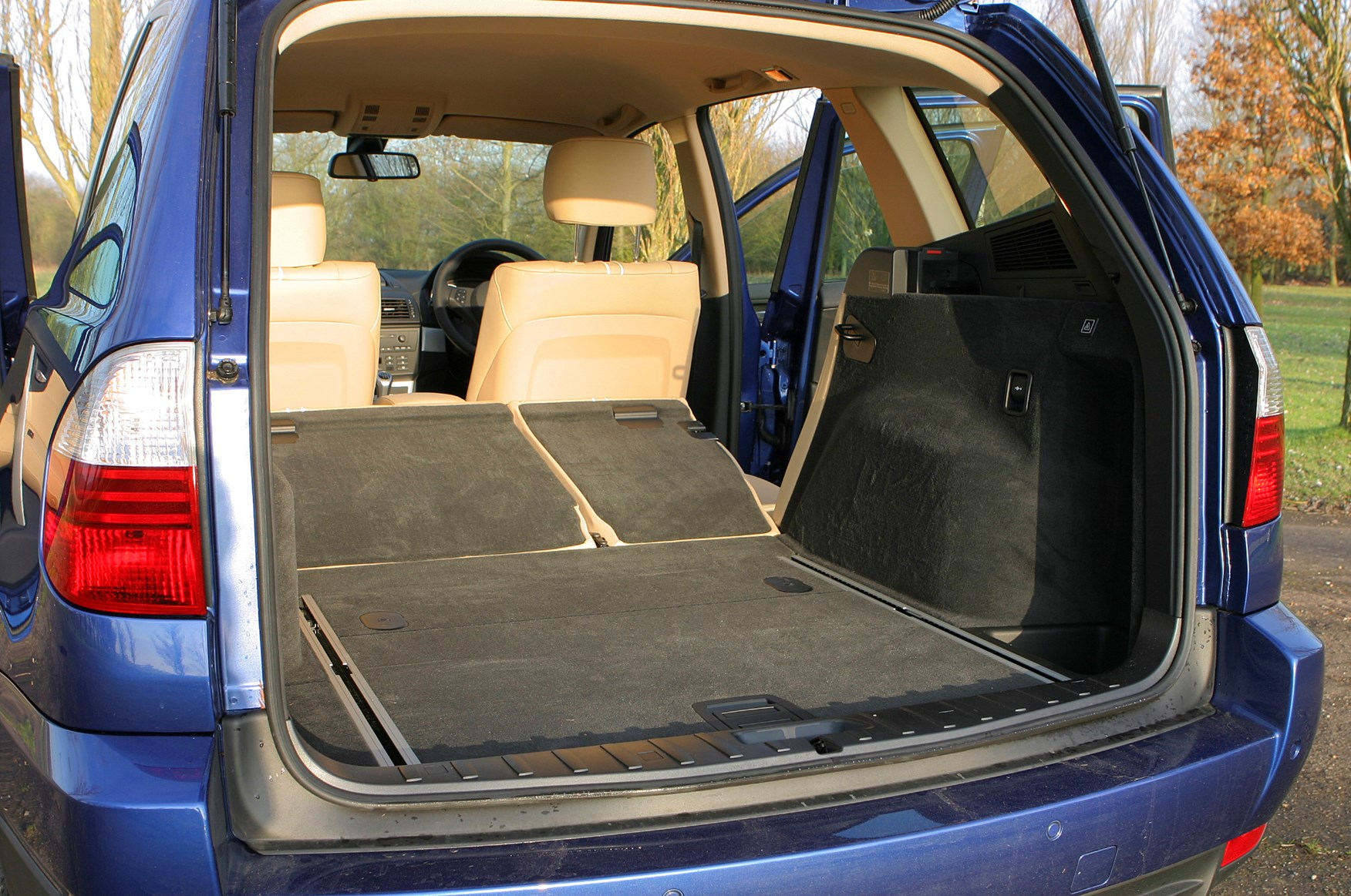 bmw x3 estate 2004 2010 buying and selling parkers. Black Bedroom Furniture Sets. Home Design Ideas