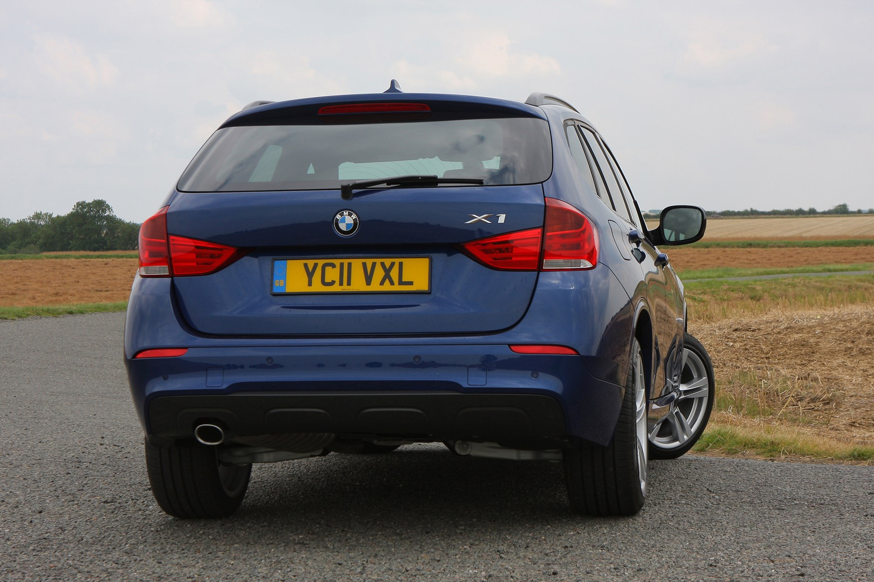 bmw x1 estate 2009 2015 features equipment and. Black Bedroom Furniture Sets. Home Design Ideas