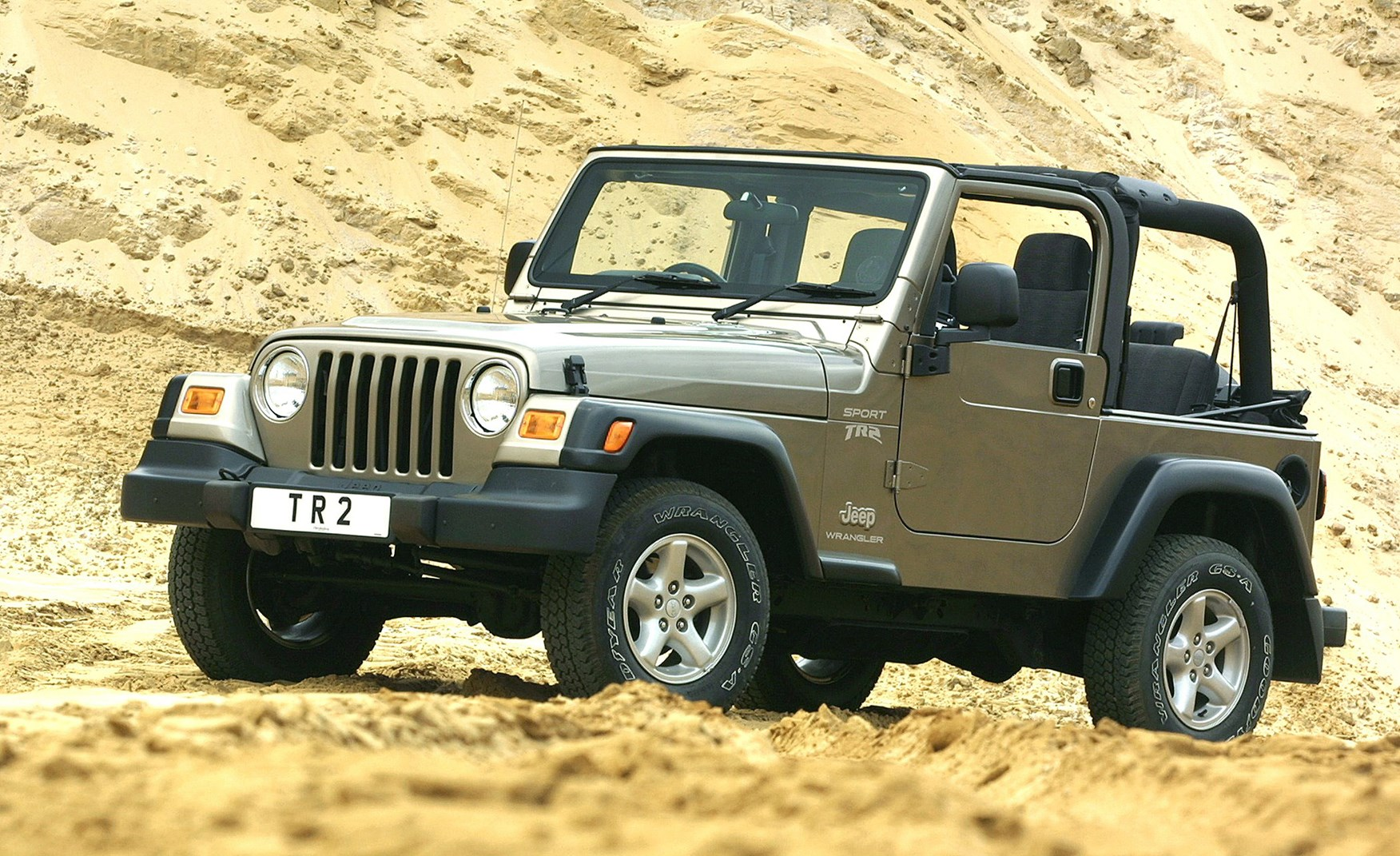 jeep wrangler softtop 1996 2006 features equipment and accessories parkers. Black Bedroom Furniture Sets. Home Design Ideas