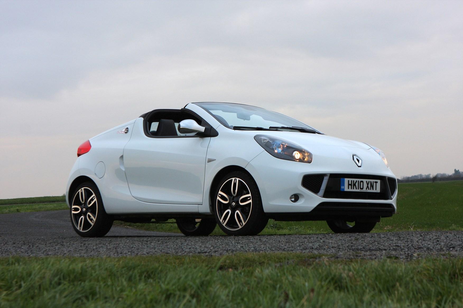 Renault Wind Hatchback 2010 2012 Features Equipment