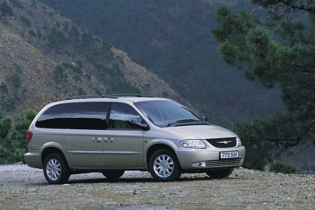 chrysler voyager estate   review parkers