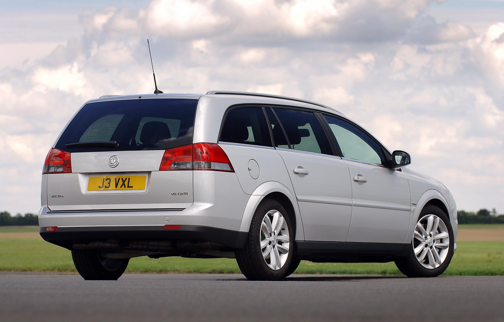 Used Vauxhall Vectra Estate 2005 2008 Review Parkers