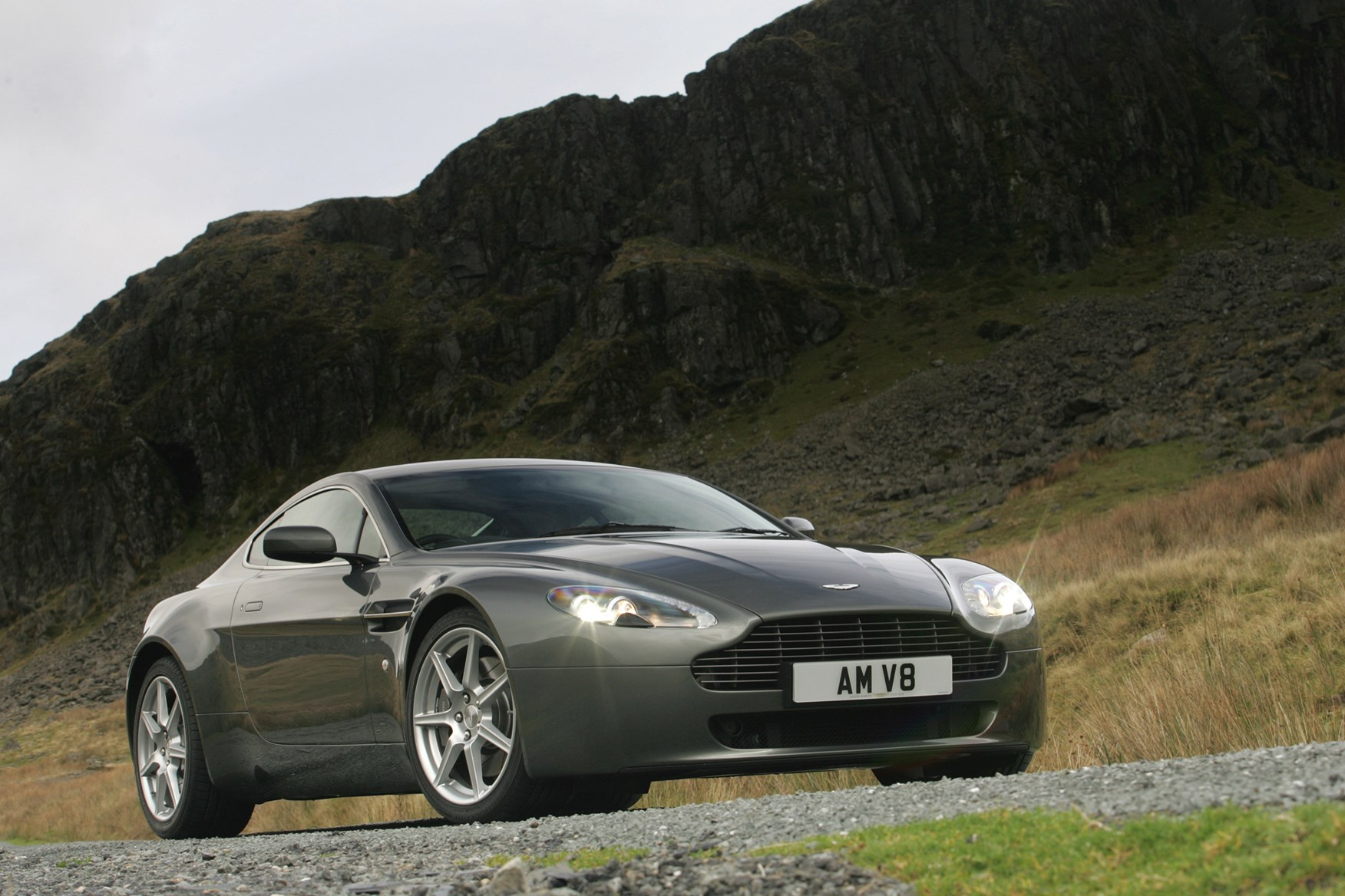 aston martin vantage coupe review 2005 parkers. Black Bedroom Furniture Sets. Home Design Ideas