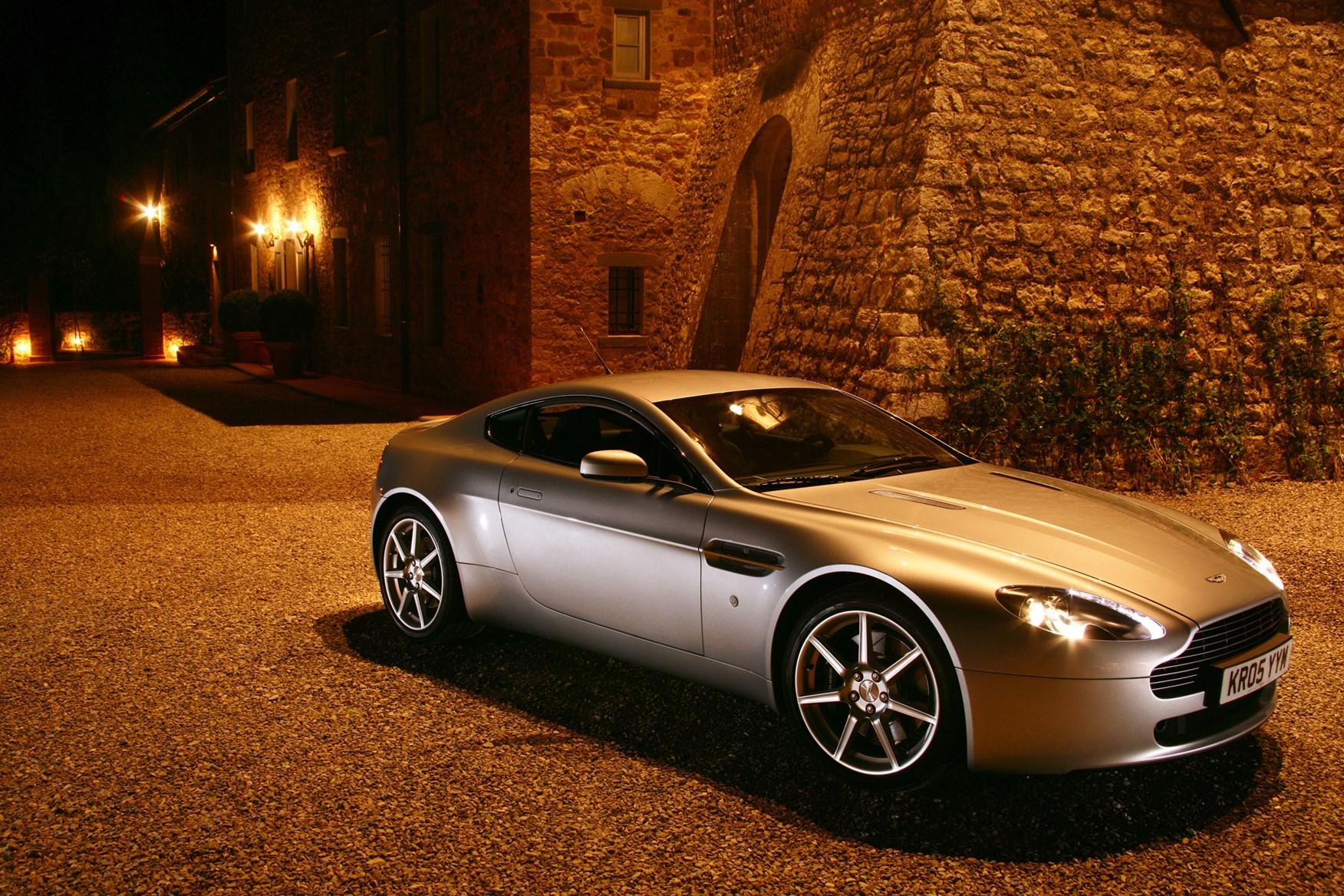 aston martin vantage coupe review 2005 parkers. Black Bedroom Furniture Sets. Home Design Ideas