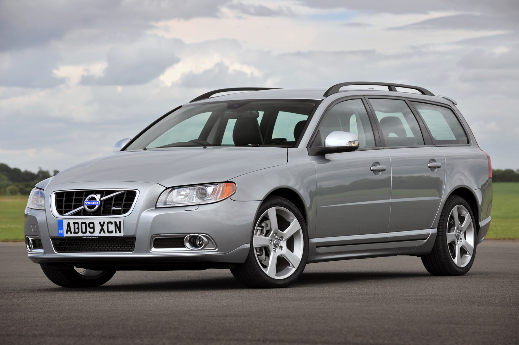volvo v70 estate 2007 2016 photos parkers. Black Bedroom Furniture Sets. Home Design Ideas