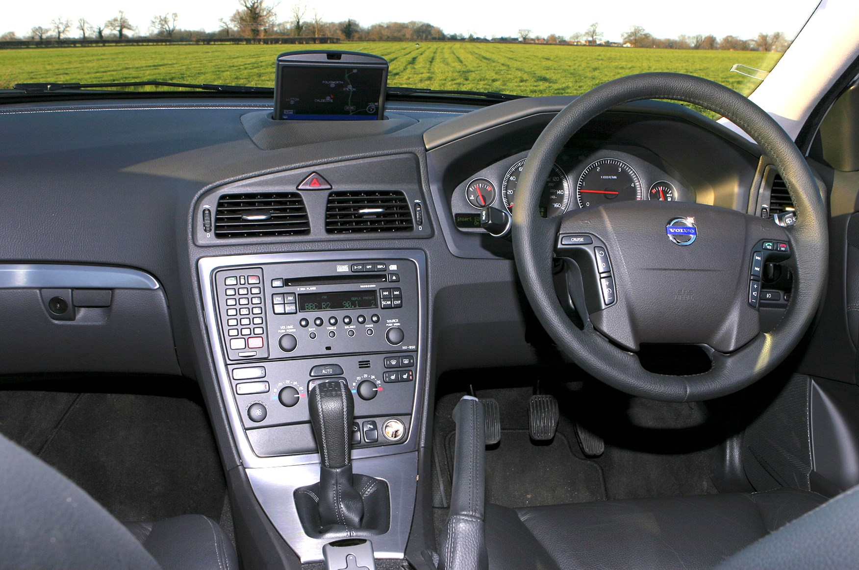 Volvo V70 Estate (2000 - 2007) Features, Equipment and Accessories ...
