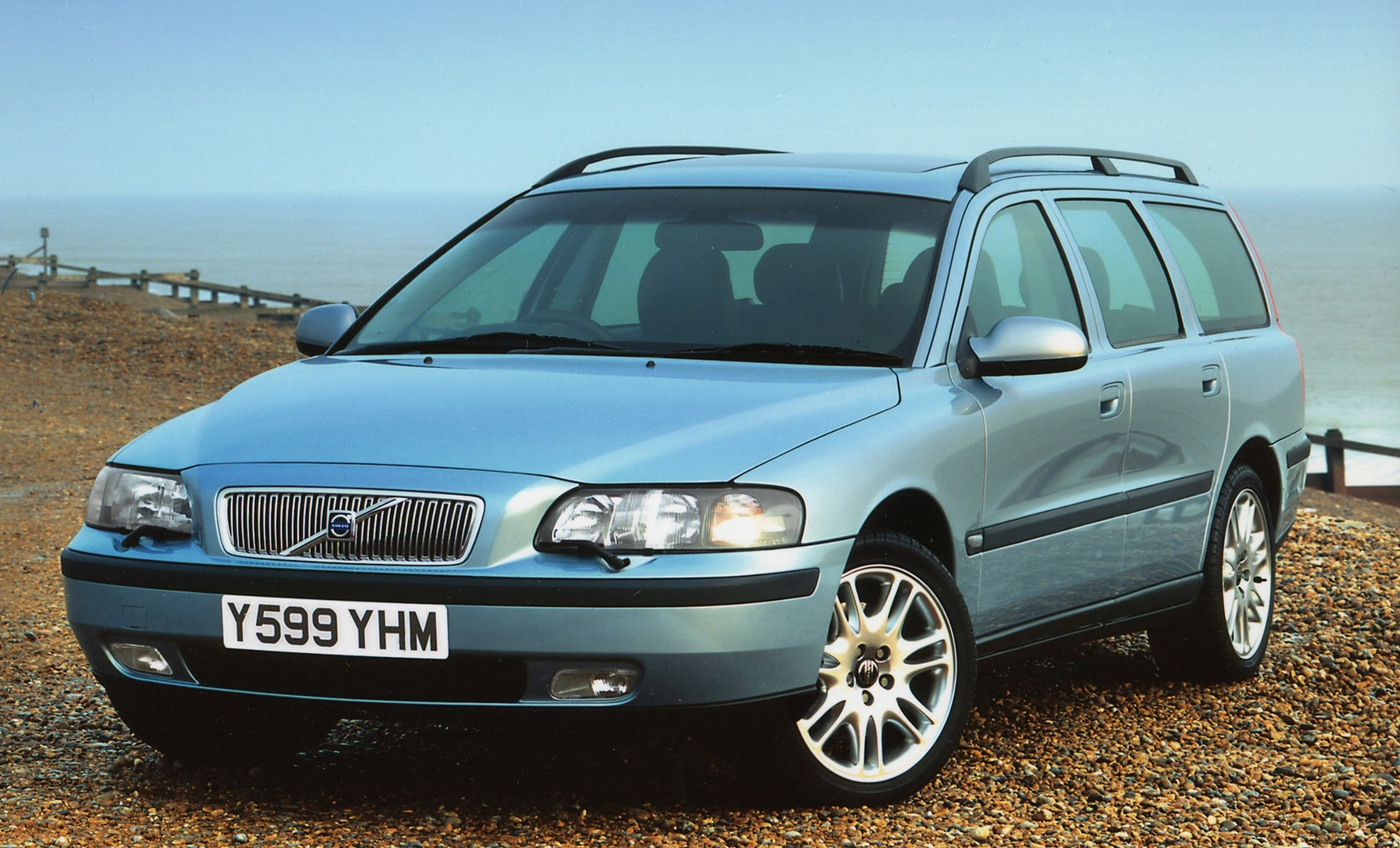 Volvo V70 Estate Review 2000 2007 Parkers 2001 S80 Battery Location