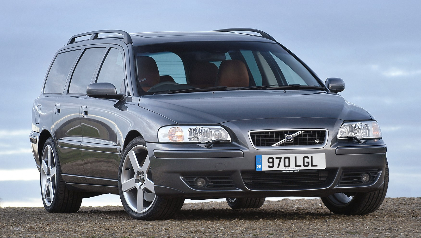volvo v70 estate review 2000 2007 parkers. Black Bedroom Furniture Sets. Home Design Ideas