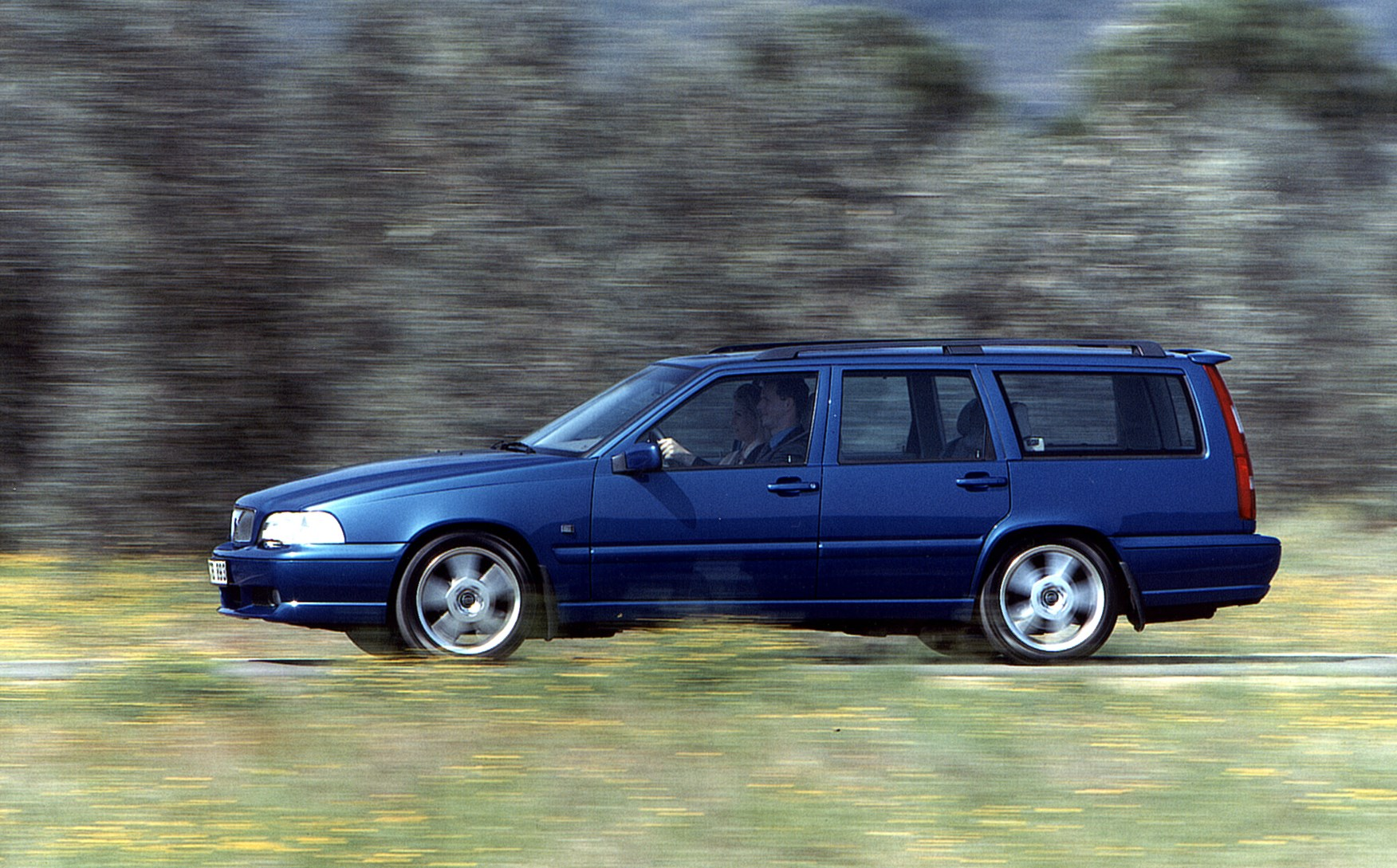 Volvo V70 Estate (1996 - 2001) Features, Equipment and Accessories | Parkers