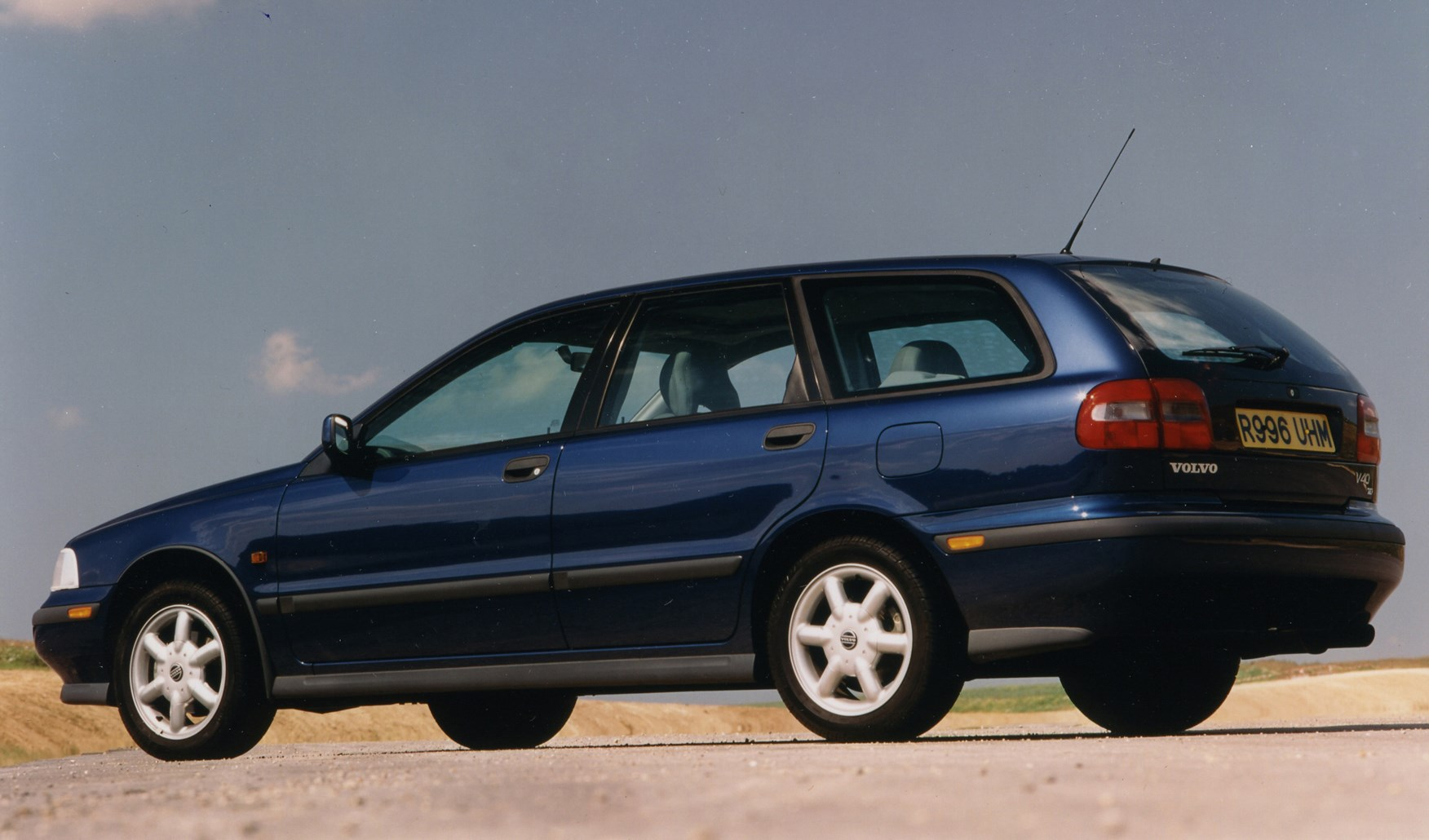 Volvo V40 Estate (1996 - 2004) Rivals | Parkers