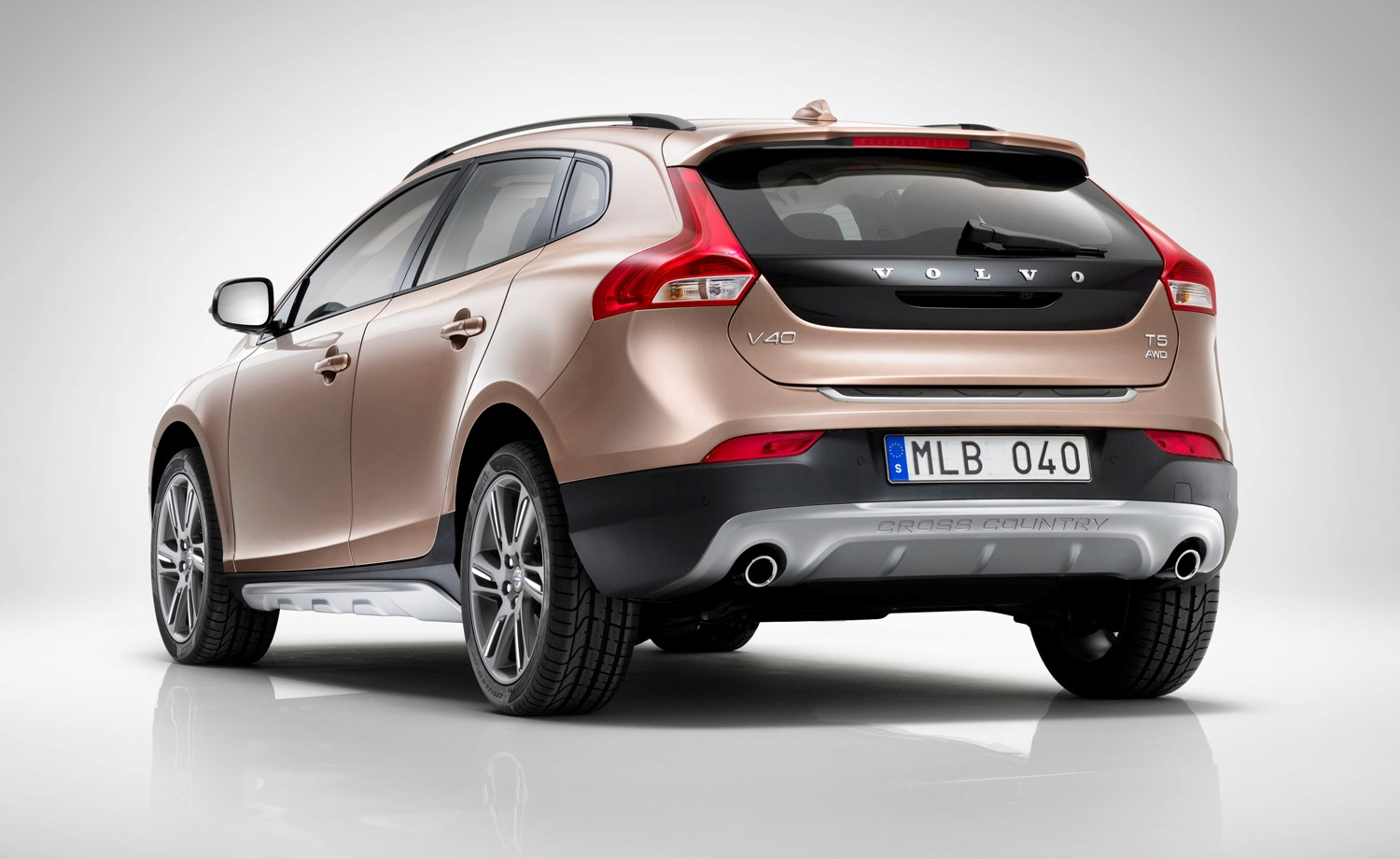 volvo v40 cross country review 2013 parkers. Black Bedroom Furniture Sets. Home Design Ideas