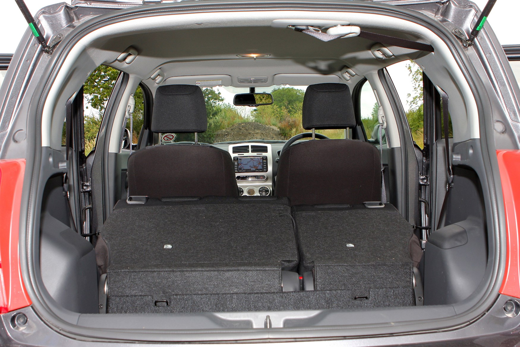 toyota urban cruiser estate review 2009 2012 parkers. Black Bedroom Furniture Sets. Home Design Ideas