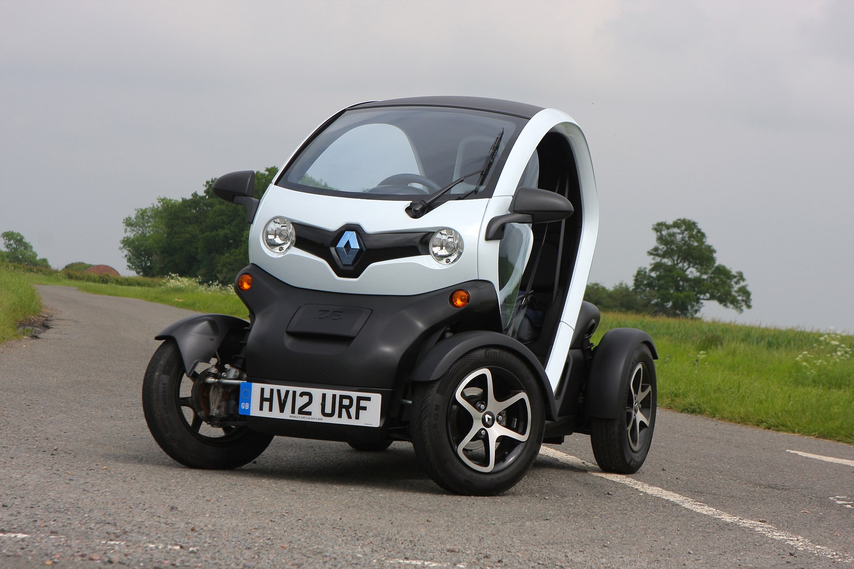 renault twizy coupe review 2012 parkers. Black Bedroom Furniture Sets. Home Design Ideas