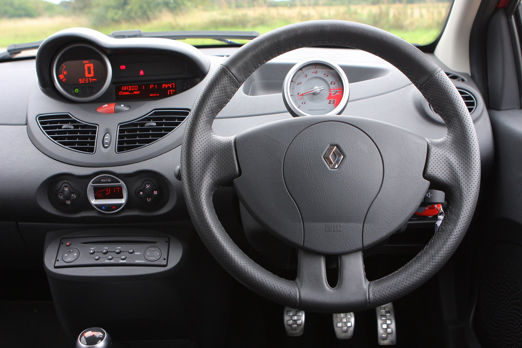 Renault Twingo Renaultsport Review (2008 - 2013) | Parkers