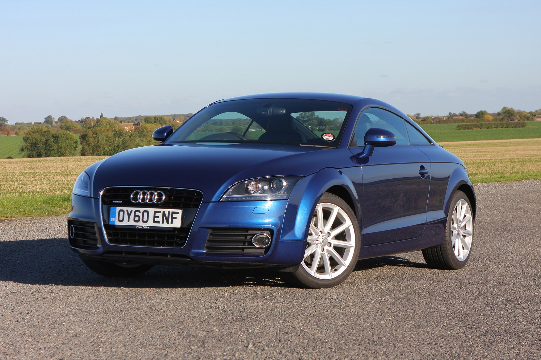 audi tt coup 2006 2014 features equipment and accessories parkers. Black Bedroom Furniture Sets. Home Design Ideas