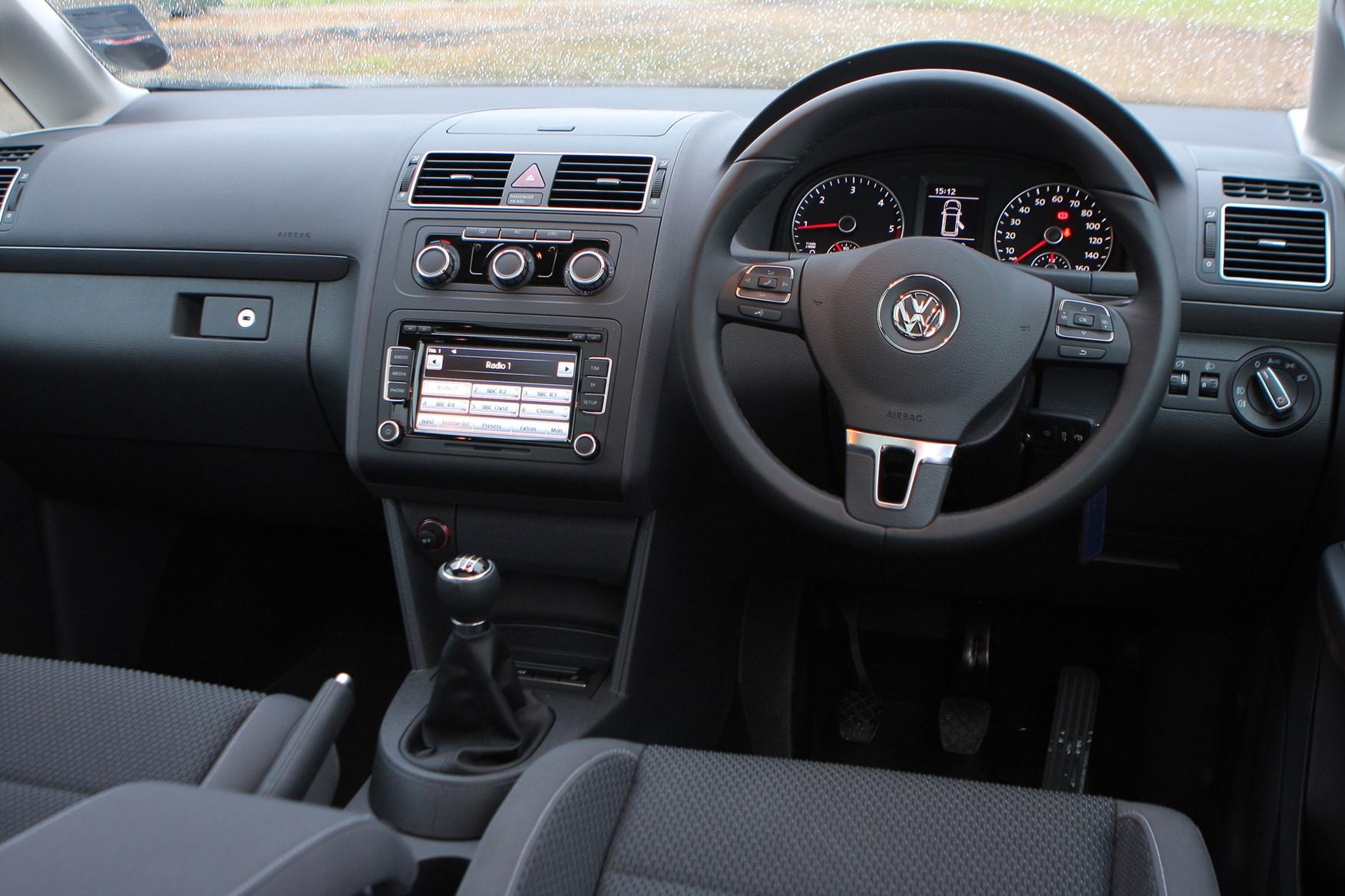 Volkswagen touran estate 2010 2015 buying and selling for Interior touran