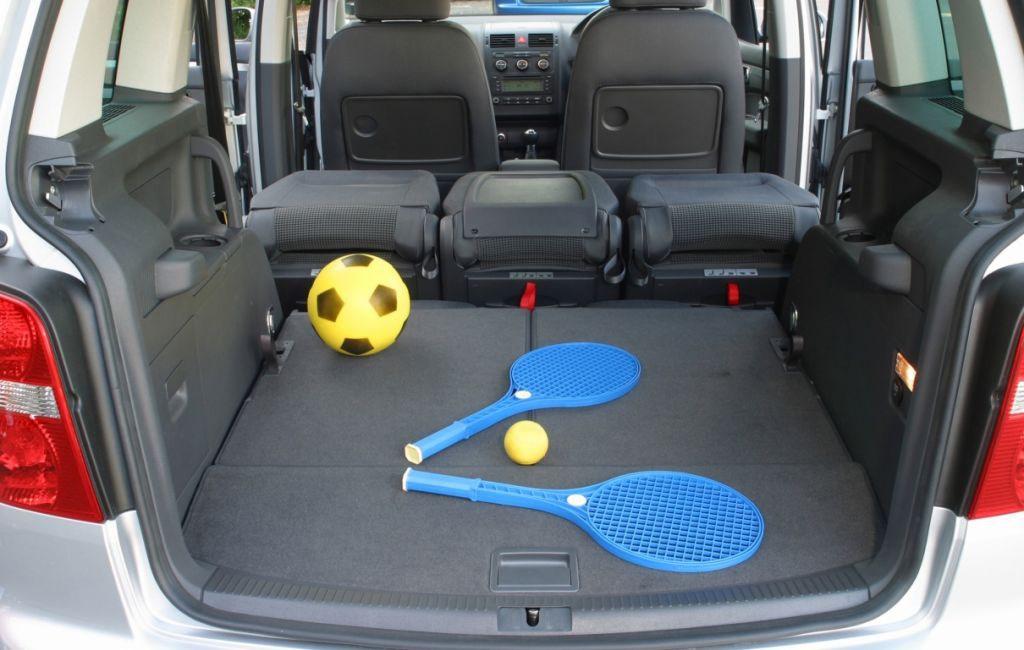 Volkswagen touran estate 2003 2010 features equipment for Interior touran