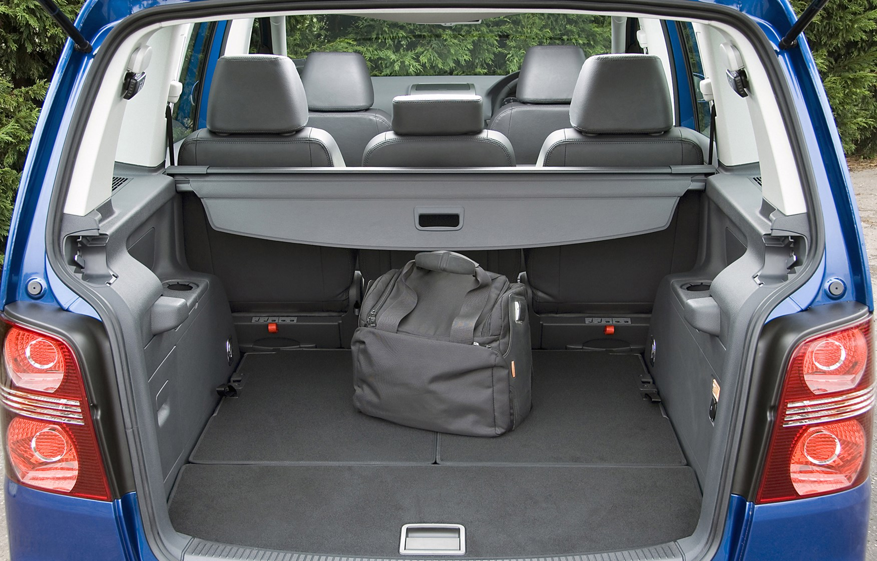 Used Volkswagen Touran Estate (2003 - 2010) Review | Parkers