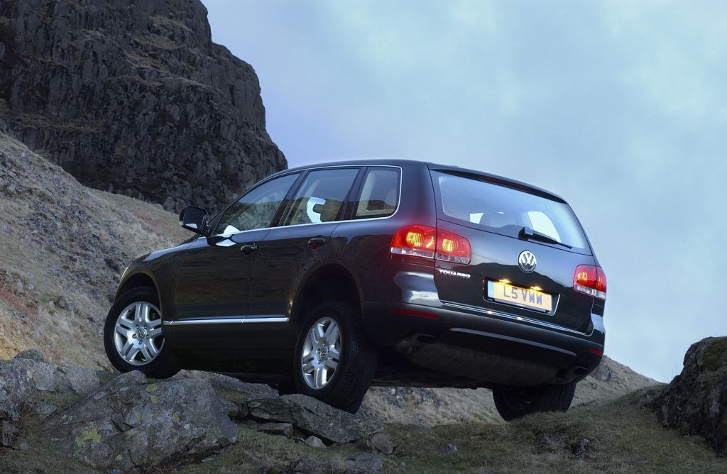 Volkswagen touareg estate review 2003 2009 parkers how much is it to insure fandeluxe Images