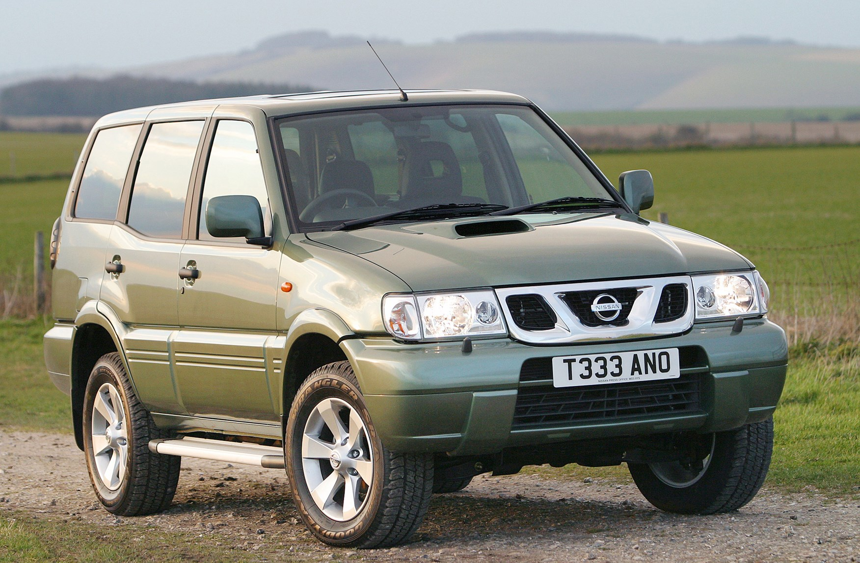 Nissan Terrano Station Wagon Review (1993 - 2007) | Parkers