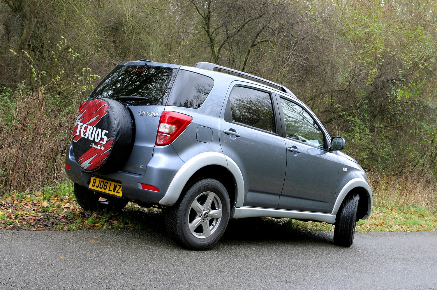 Monthly Car Insurance >> Daihatsu Terios Estate Review (2006 - 2010) | Parkers