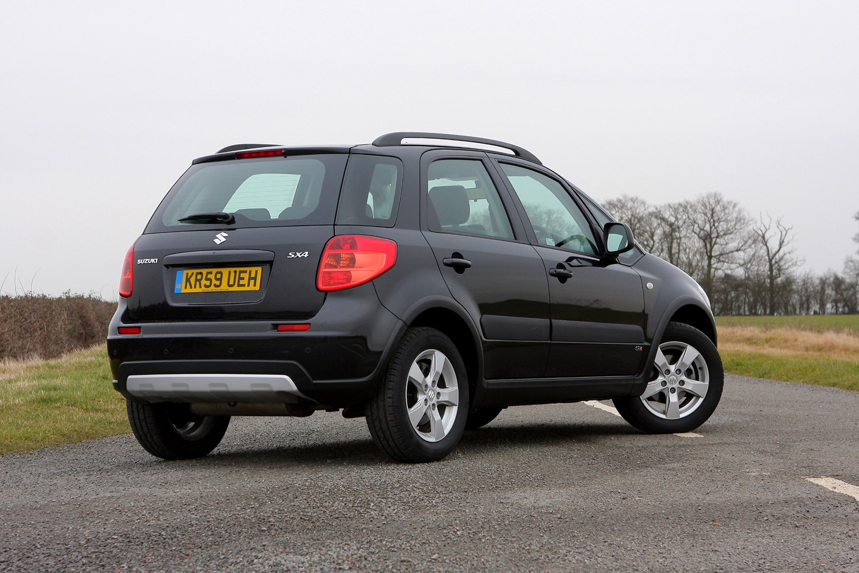 suzuki sx4 hatchback review 2006 2014 parkers. Black Bedroom Furniture Sets. Home Design Ideas