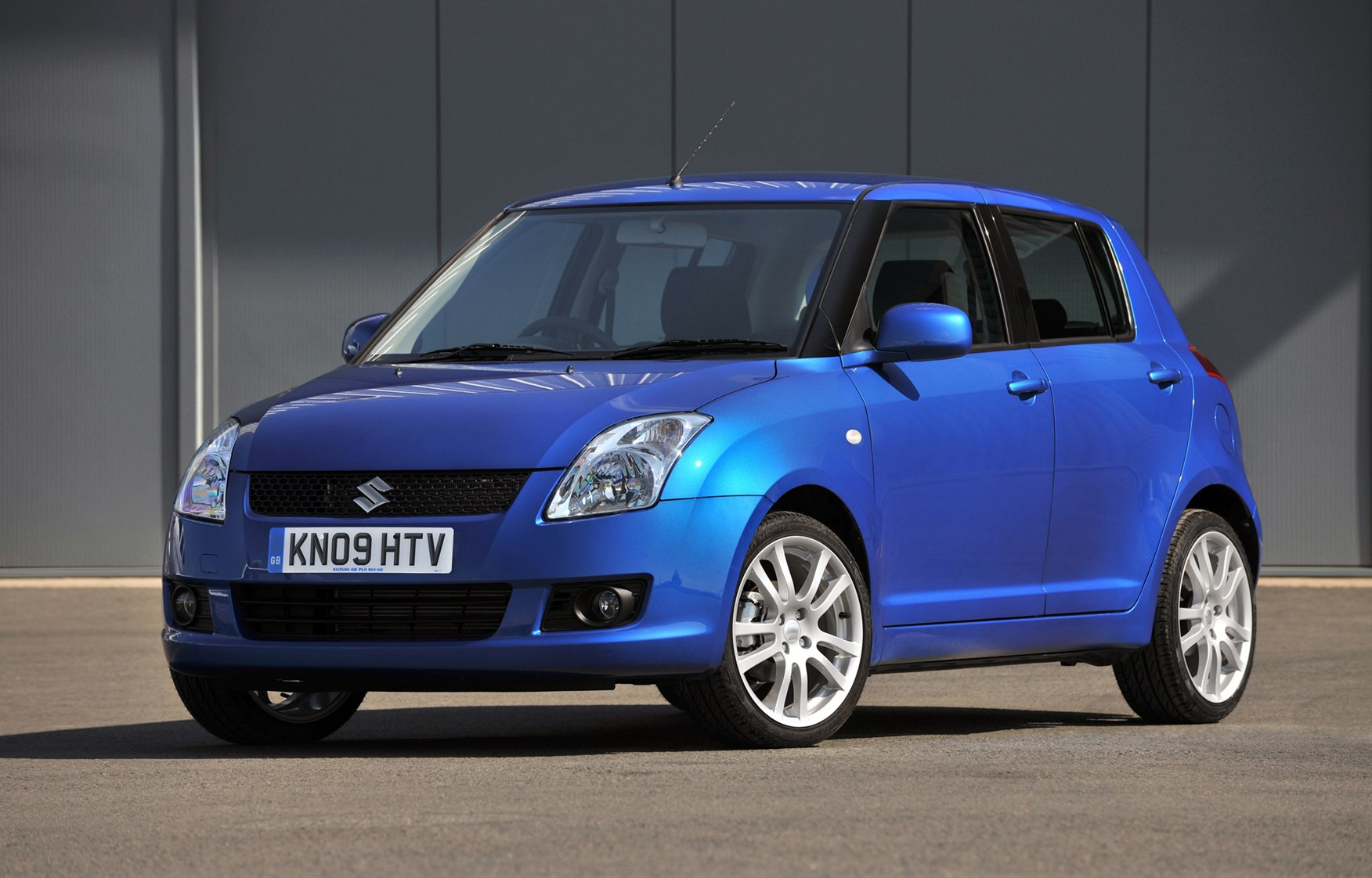 Suzuki Swift Hatchback Review (2005 - 2011) | Parkers