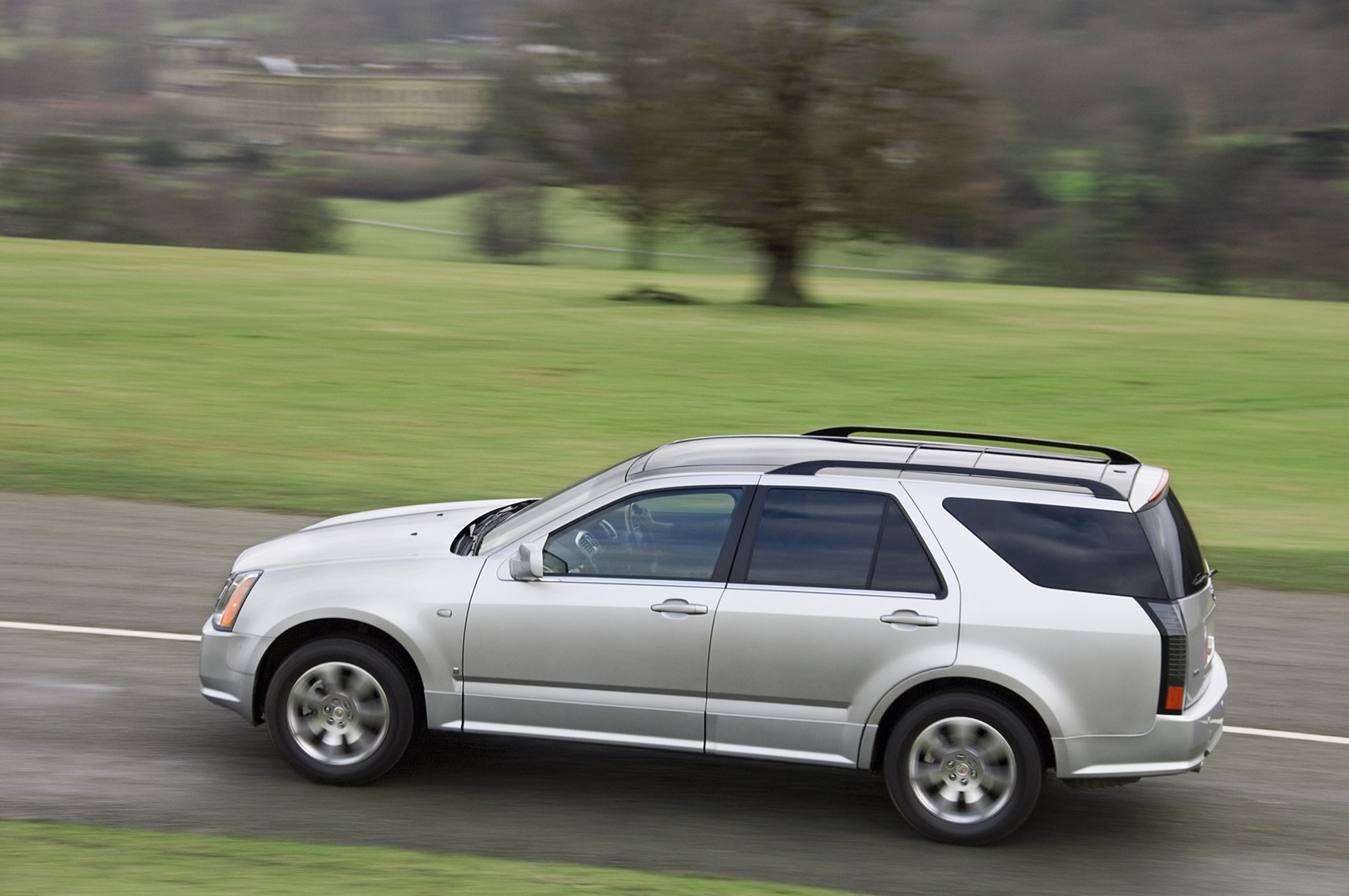 cadillac srx station wagon review 2007 2008 parkers. Black Bedroom Furniture Sets. Home Design Ideas