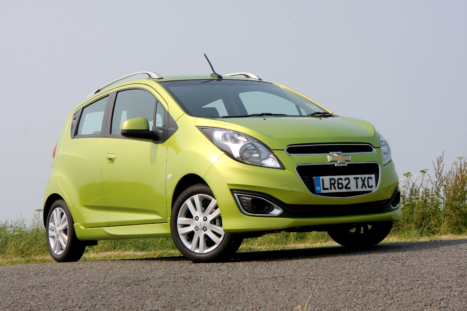 Used Chevy Spark >> Chevrolet Spark Hatchback Review (2010 - 2015) | Parkers