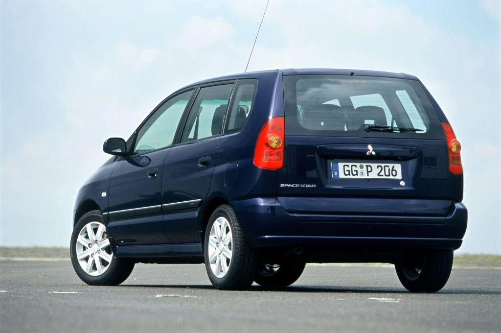 Mitsubishi Space Star Hatchback Review (1999 - 2005) | Parkers