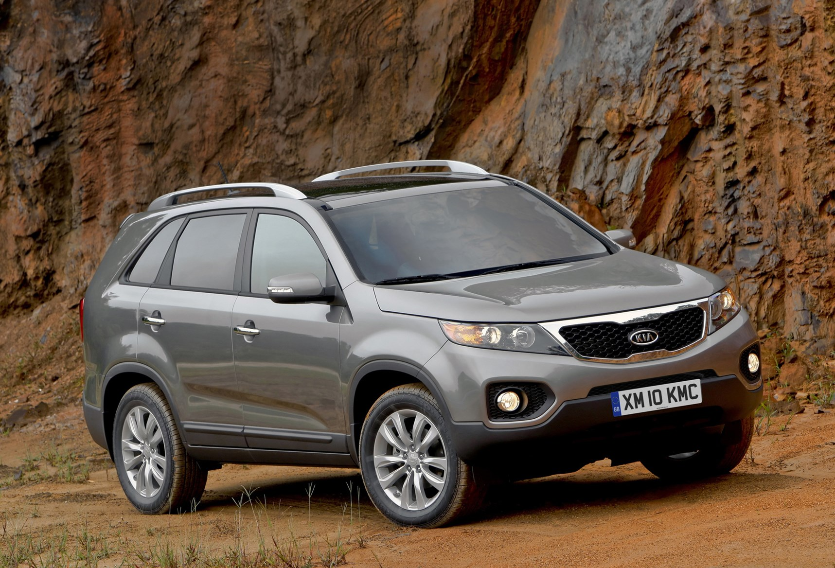 graphite cars sorento kx sonata kia motors in uk the discover new generation third