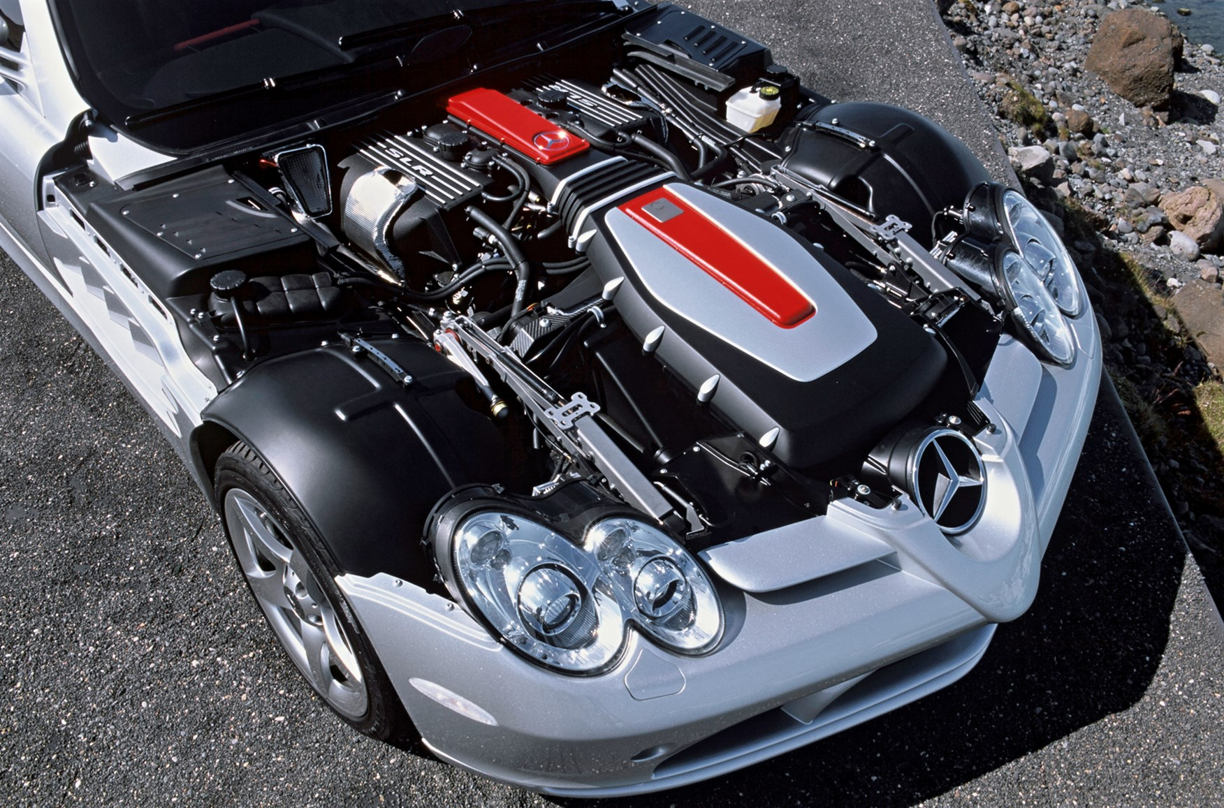 Mercedes benz slr mclaren convertible review 2003 for Motor mercedes benz