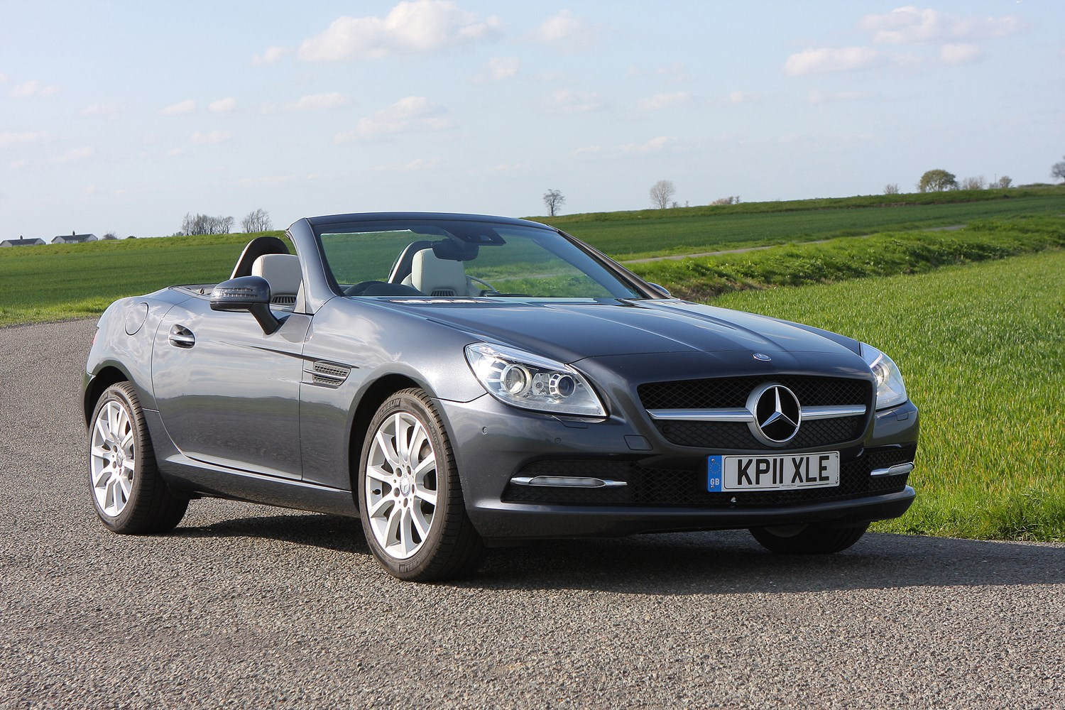 mercedes benz slk roadster review 2011 2016 parkers. Black Bedroom Furniture Sets. Home Design Ideas