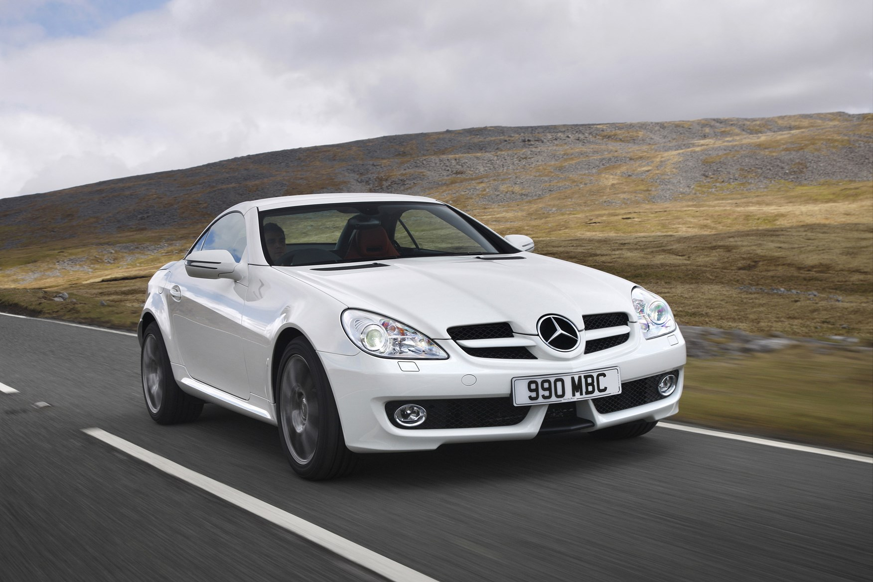 Mercedes benz slk roadster review 2004 2011 parkers for Pictures of a mercedes benz