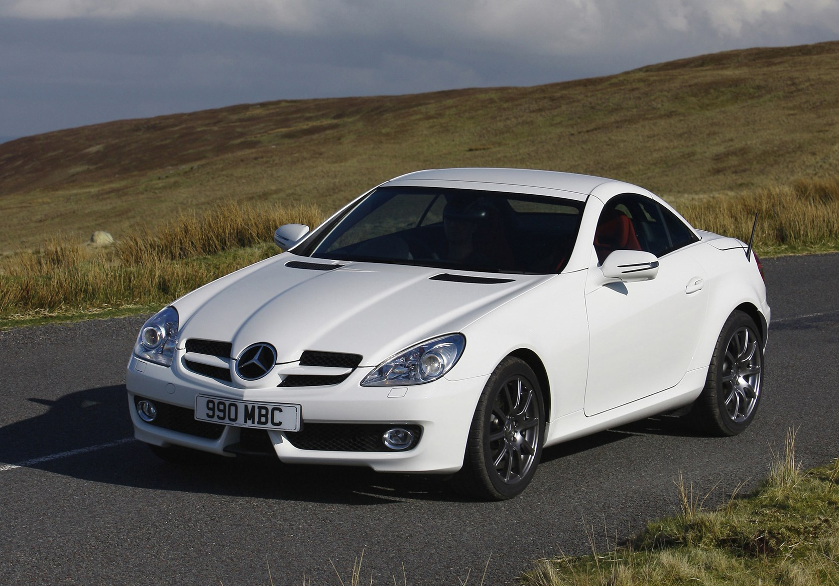 mercedes benz slk roadster 2004 2011 driving performance parkers. Black Bedroom Furniture Sets. Home Design Ideas