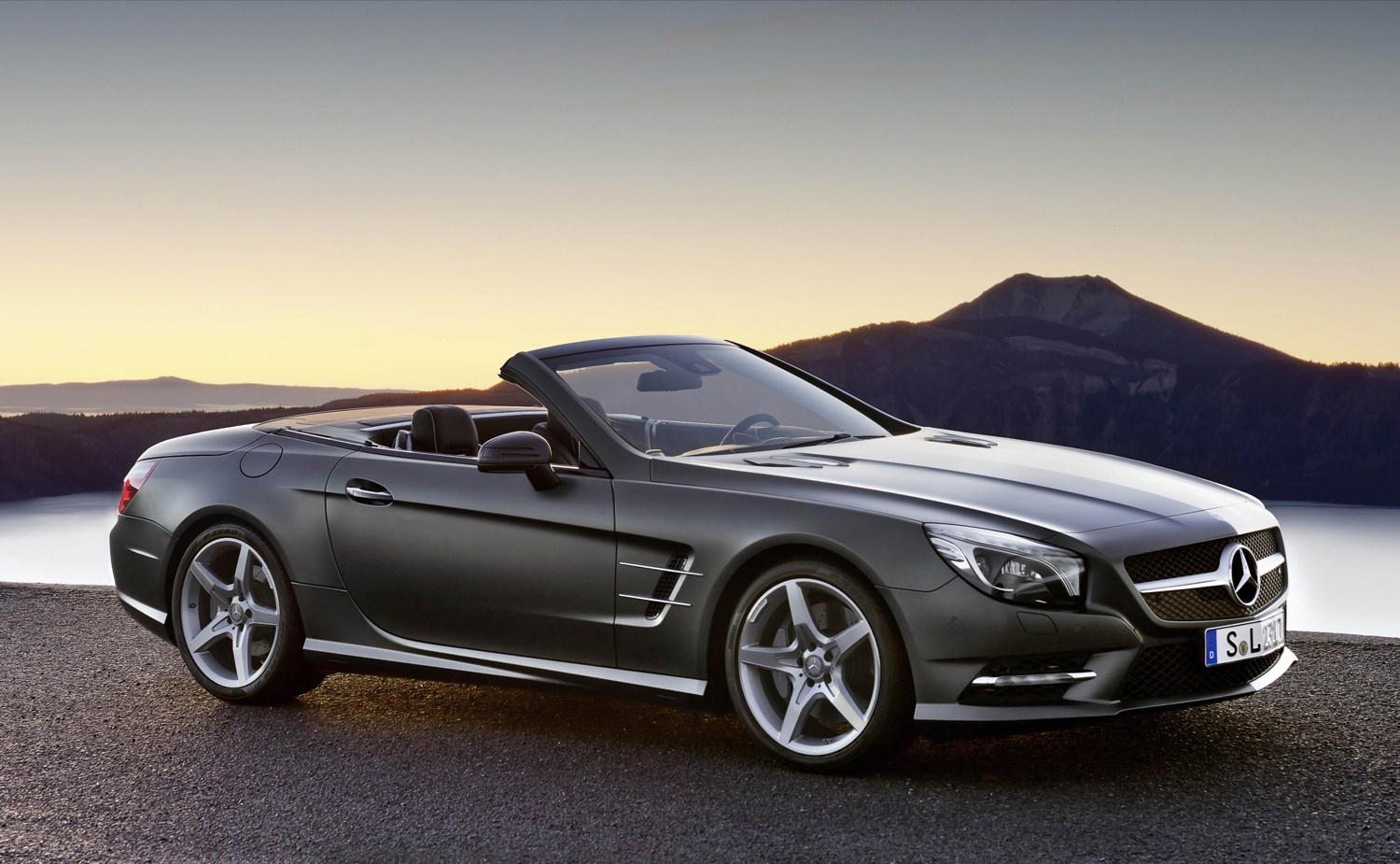Mercedes Benz Sl Cl Convertible 2017 Ing And Parkers